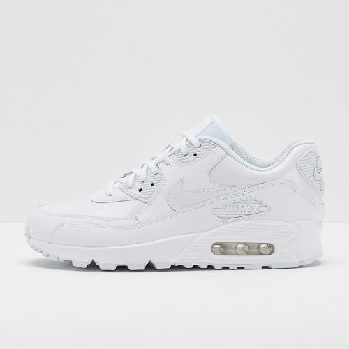 the latest 6286d ad46a womens nike air max
