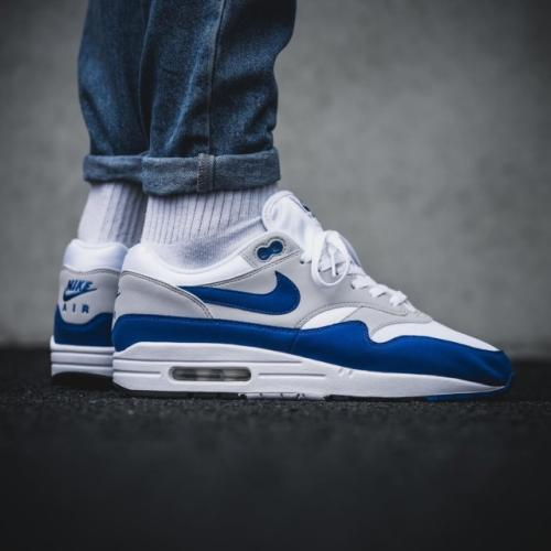 quality design 3ff8c 6f43f Buy Nike Air Max 90 Essential Men s Trainers, Black White   John ., Cheap Air  Max. Sneakers online bij Sneakerbaas. Exclusieve sneakers van exclusieve ...