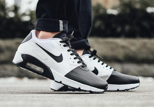 best sneakers 78a9d 272f6 nike air max 90 black and white